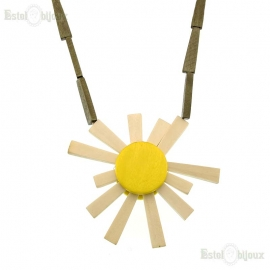 Wood Daisie Necklace