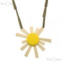 Wood Daisie Necklace