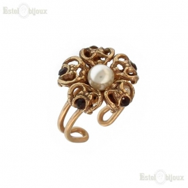 Pearl and Crystals Vintage Style Ring