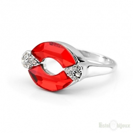 Red Austrian Crystal Love Lips Ring