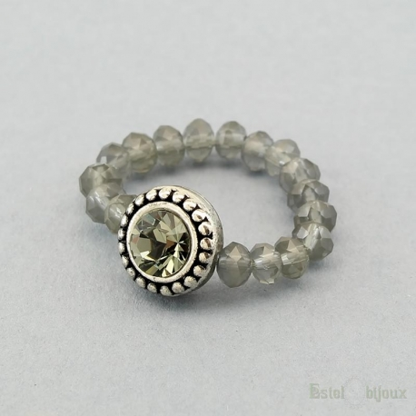 Flexible Elastic Crystals Ring