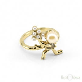 Girl with Bouquet of Flowers Gold Plated Ring